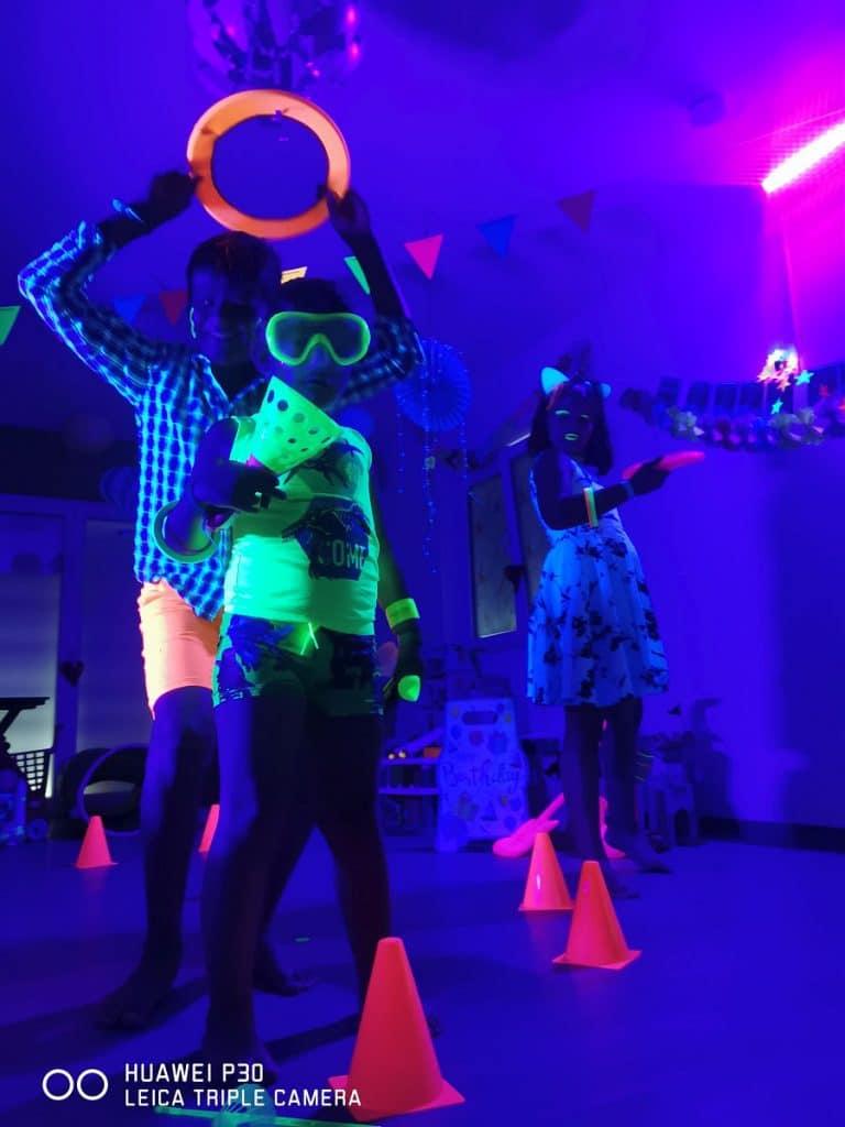 Schwarzlicht-Party im Wichtelclub